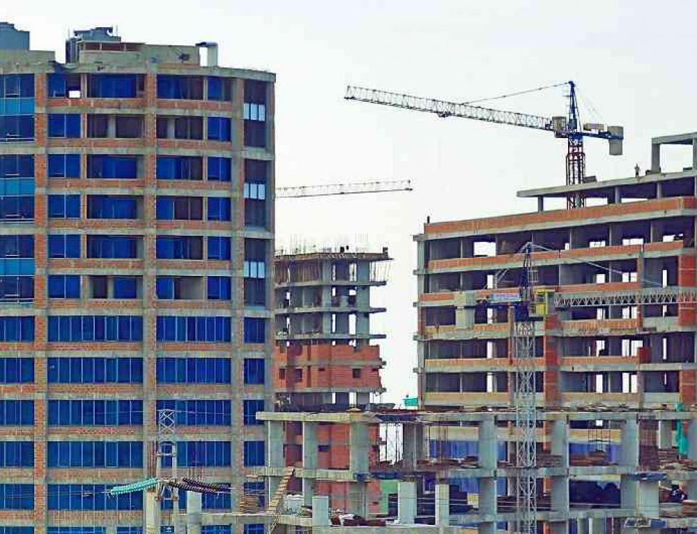 Gobierno anuncia medida que podría bajar hasta un 6% los precios de viviendas para clase media